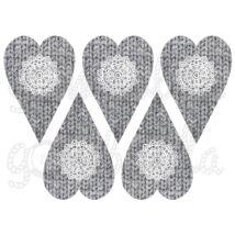 Mintás barkácsfilc - szürke kötött szívek csipke díszítéssel